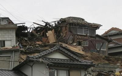 直下型地震では15秒間命の確保が重要、キッチンはとても危険