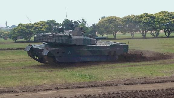 中級陸曹は部隊の中核であり、部隊のエンジン